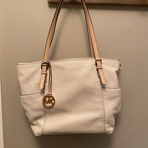 Michael Kors Handbags - Michael Kors Jet Set East West Leather Tote Purse